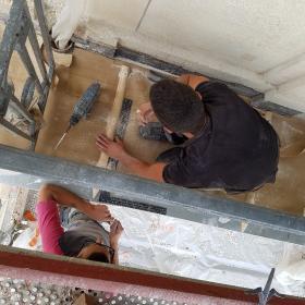 pose de balcon plomb  par l'équipes Odul couverture a Paris rue de Courcelles 75017.